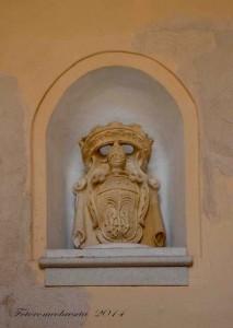 stemma della famiglia Filiasi - balaustra interna del palazzo