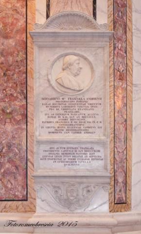 Basilica Cattedrale – Mausoleo con stemma del vescovo mons. Frascolla