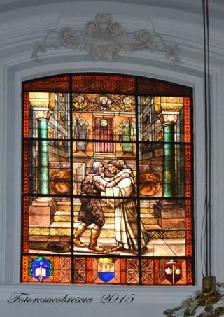 Basilica Cattedrale – vetrata a mosaico celebrativa con stemmi 2