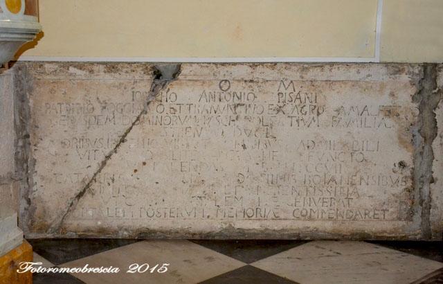Chiesa di Gesù e Maria – Tomba con epigrafe commemorativa del nobile Giuseppe Antonio Pisano 1