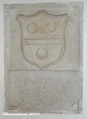 Chiesa di Gesù e Maria – stemma della famiglia Belvedere 1