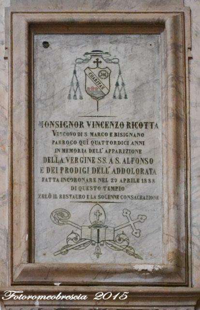 Chiesa di S. Giovanni Battista – Epigrafe commemorativa con stemma del vescovo mons. Ricotta