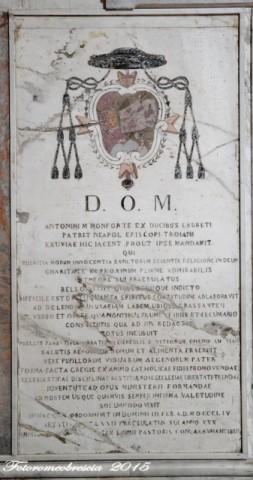 Chiesa di S. Giovanni Battista – Epigrafe con stemma del vescovo mons. Antonio Monforte