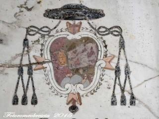 Chiesa di S. Giovanni Battista – Stemma del vescovo mons. Antonio Monforte