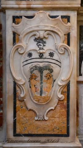 Chiesa di S. Pasquale Baylon – stemma della famiglia Filiasi