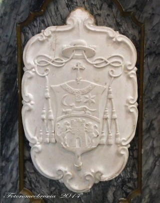 Chiesa di San Giovanni Battista – Stemma del vescovo mons. Farina