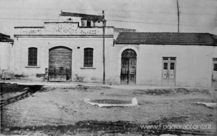 Deposito Industriale Macchine Agricole Palazzo
